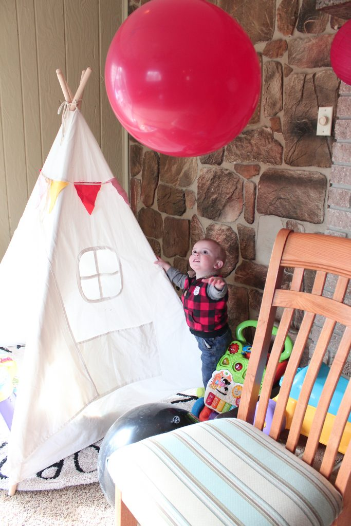 Jax's Lumberjack Birthday Bash - SlayAtHomeMother.com #lumberjackparty #2ndbirthdayparty #lumberjackbirthday
