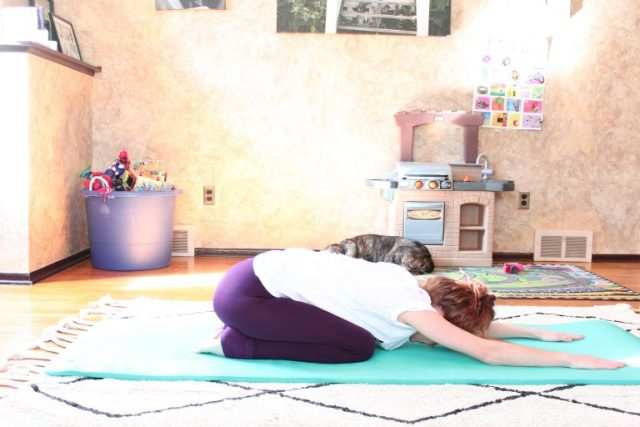 Yoga Poses To Increase Fertility - SlayAtHomeMother.com