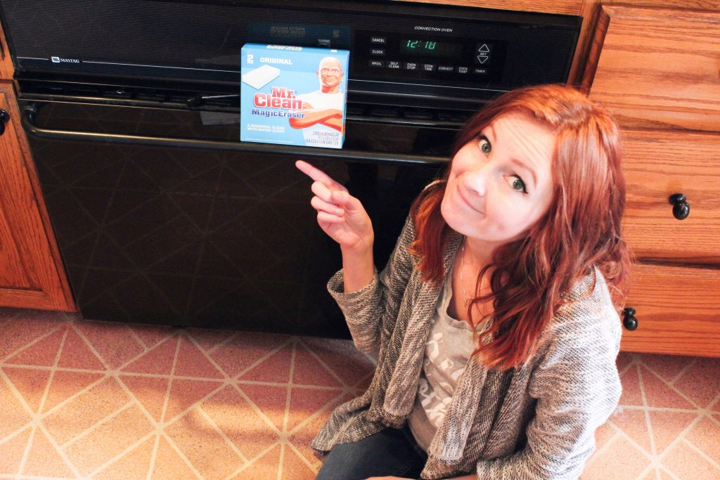 How To Clean Your Oven Door Glass When Baking Soda Won't Cut It - SlayAtHomeMother.com