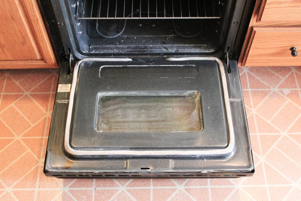 How To Clean Your Oven Door Glass When Baking Soda Wont Cut It