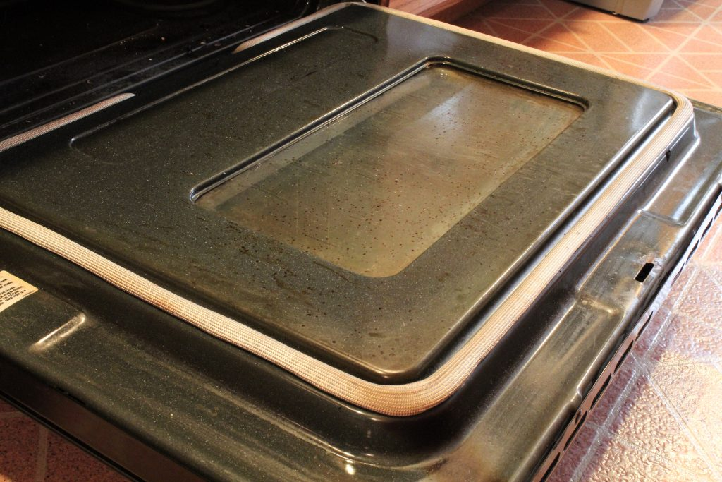 How To Clean Your Oven When Baking Soda Doesn't Work! - SlayAtHomeMother.com