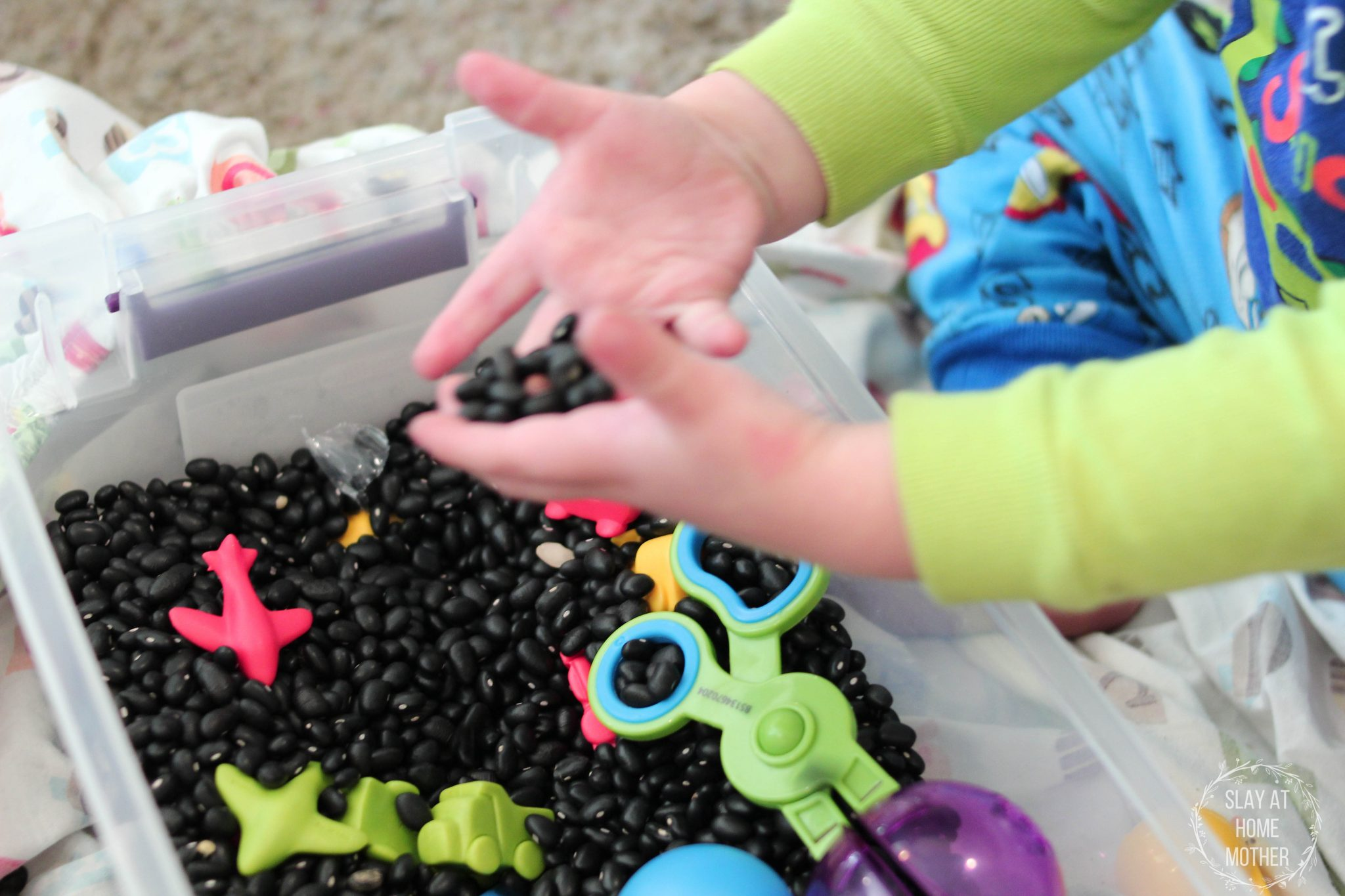 DIY Sensory Bin - #sensory #sensorybin #sensoryplay #slayathomemother SlayAtHomeMother.com