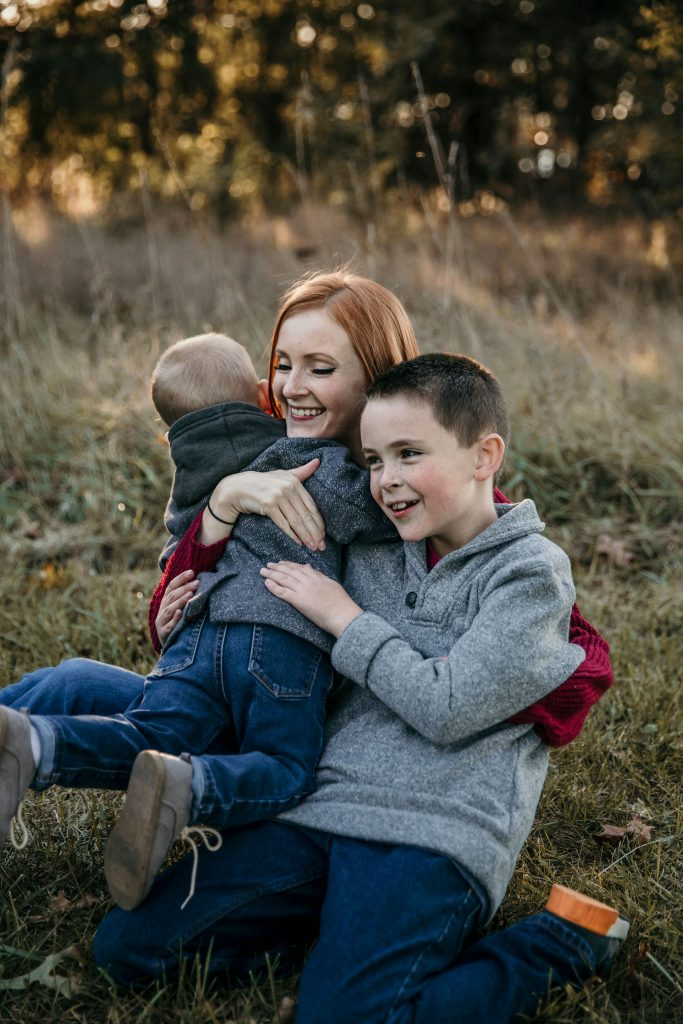How to Prep your Kids for Family Pictures - SlayAtHomeMother.com
