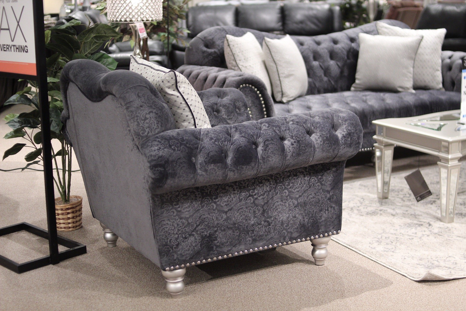 Picking Out New Living Room Furniture at Gardner-White- SlayAtHomeMother.com