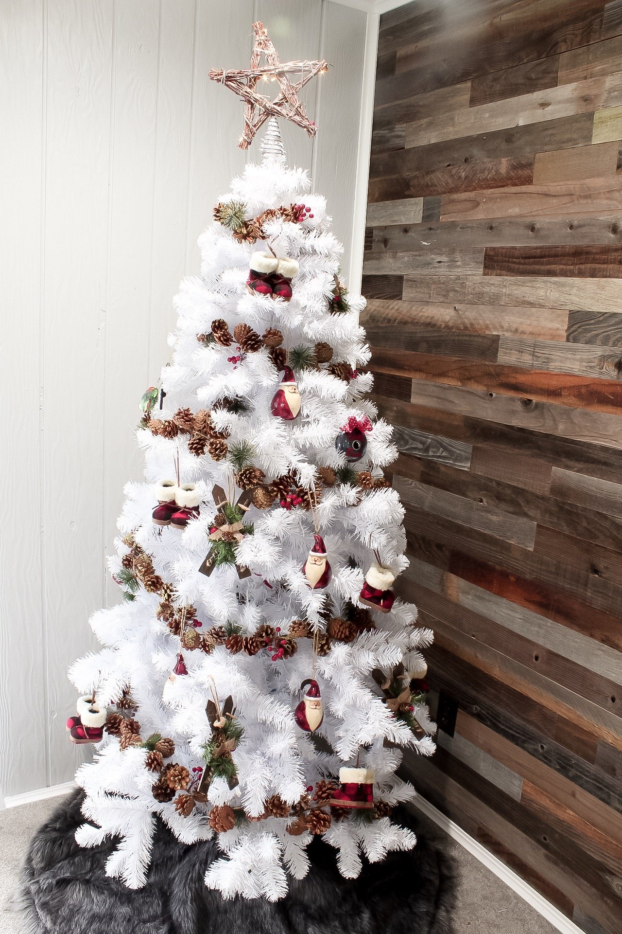 DECORATE WITH ME - CHRISTMAS EDITION - #christmasdecor #decoratewithme #slayathomemother SlayAtHomeMother.com