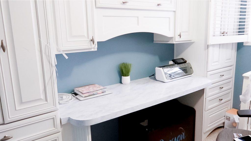 DIY Marble Countertops Using Contact Paper via SlayAtHomeMother.com
