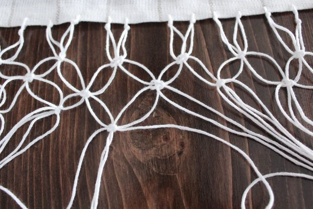 Easy DIY Macrame Table Runner - SlayAtHomeMother.com