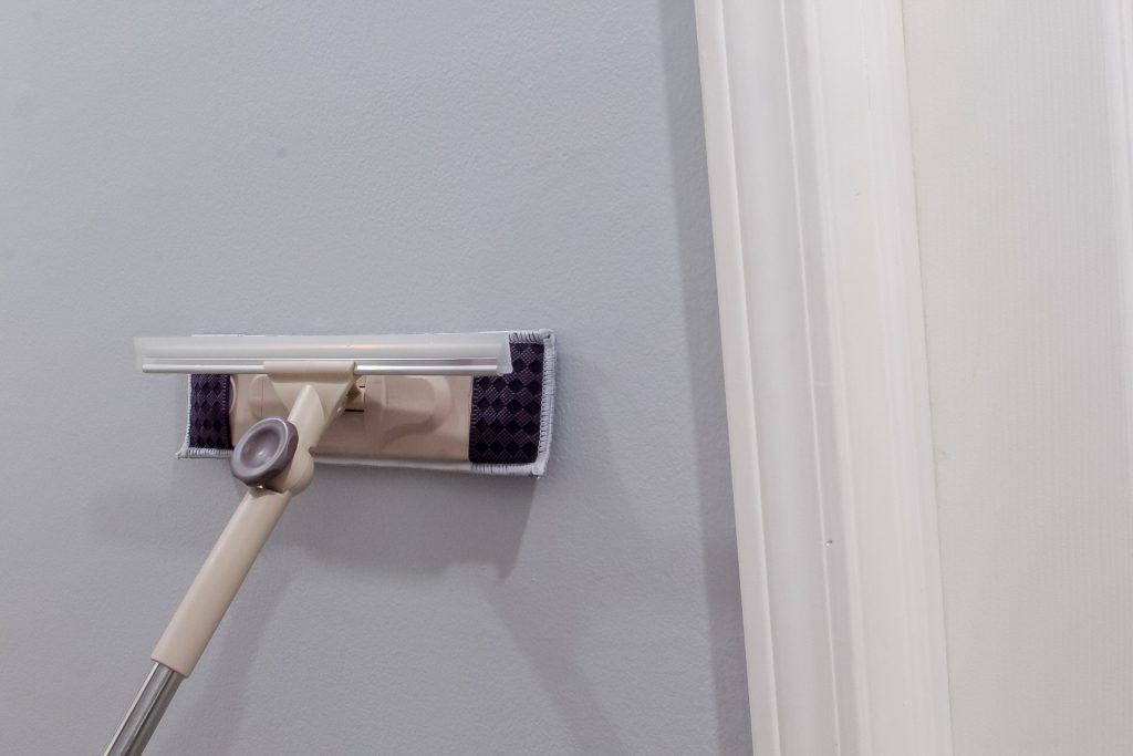 how-to-clean-walls-slayathomemother.com-14