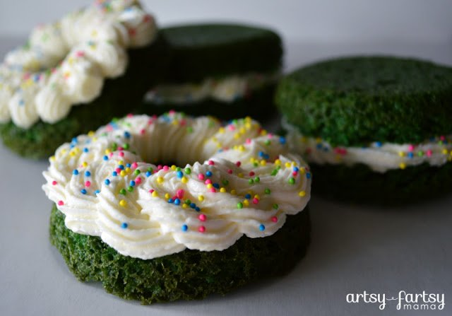 GreenVelvet-Cakes