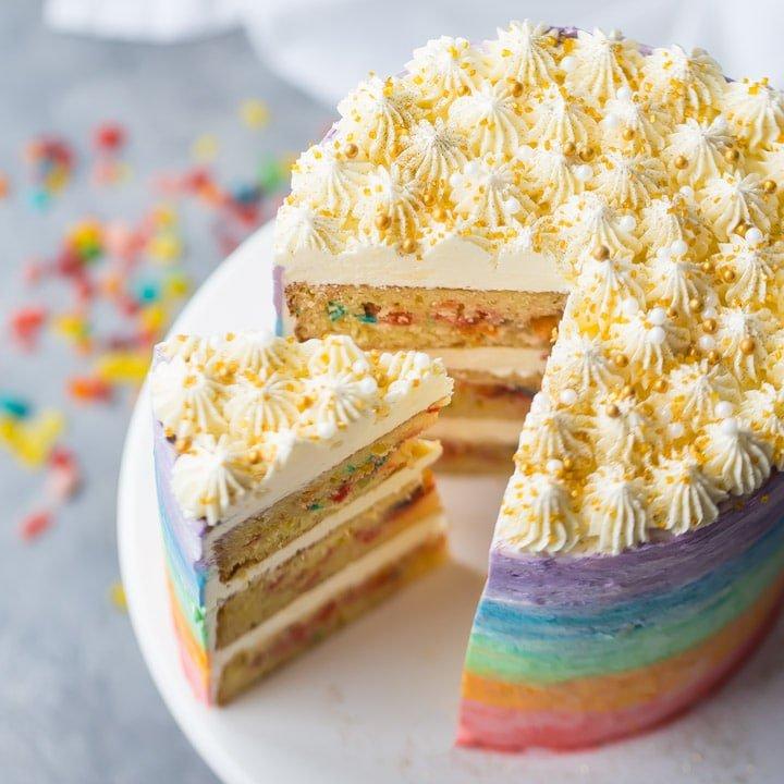 IMG_6572-rainbow-fruity-pebble-cake-square