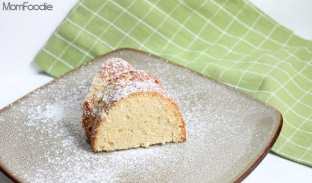 Irish-Cream-Liqueur-Pound-Cake-725x426 from MomFoodie.com -- SLAYathomemother.com