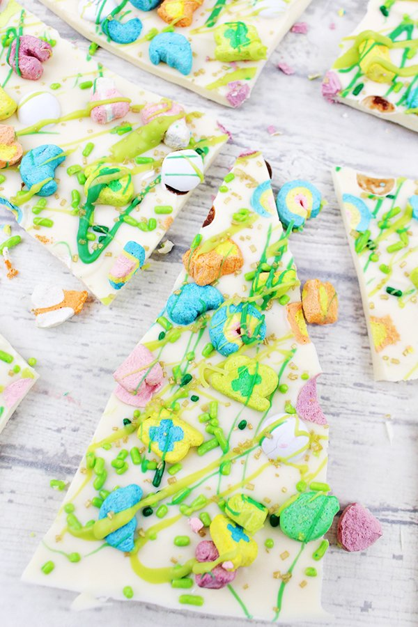 Lucky-Charms-Marshmallows-White-Chocolate-Bark-Recipe-8 from HomeCookingRecipes.com - SLAYathomemother.com