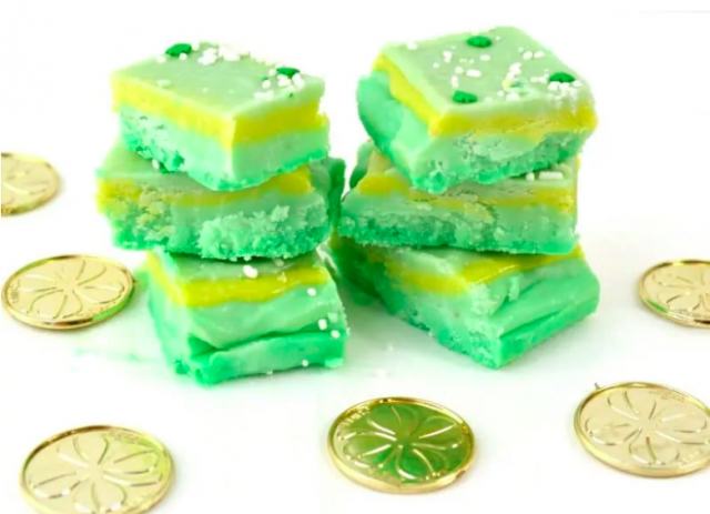 St. Patrick's Day Green Fudge from CrayonsAndCravings.com -- SLAYathomemother.com