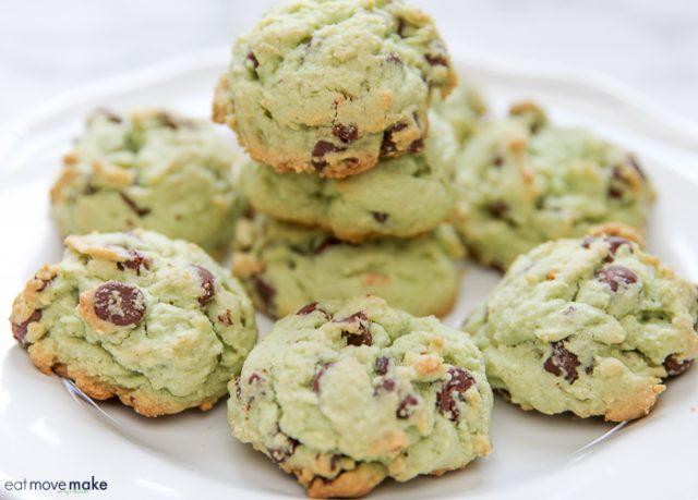 pistachio-pudding-cookies-chocolate-chip from EatMoveMake.com -- SLAYathomemother.com