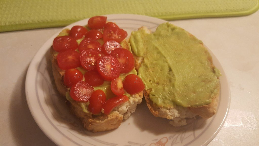 avocado & tomato sandwiches