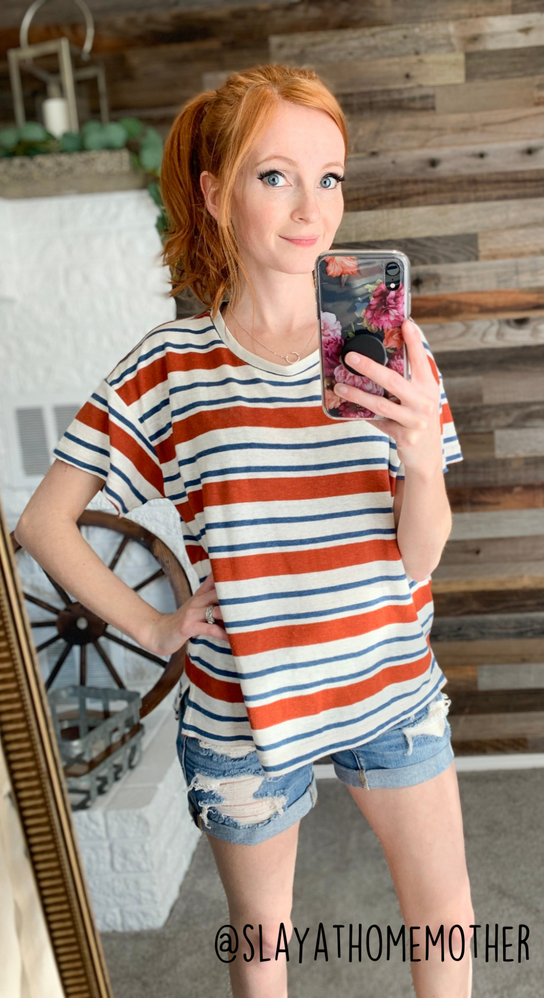 cute spring outfits - kossin tee from Roolee - slayathomemother.com