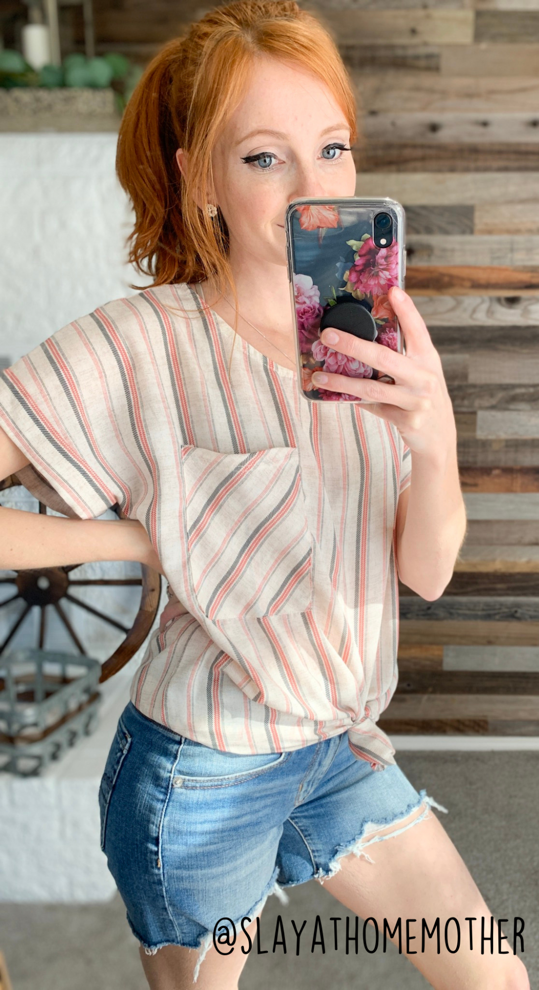 cute spring outfits - striped pocket shirt from roolee - slayathomemother.com