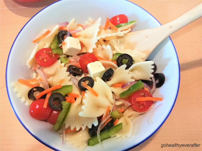 pasta salad with creamy mint yogurt sauce