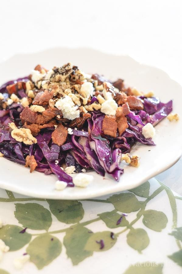 red cabbage salad with bacon