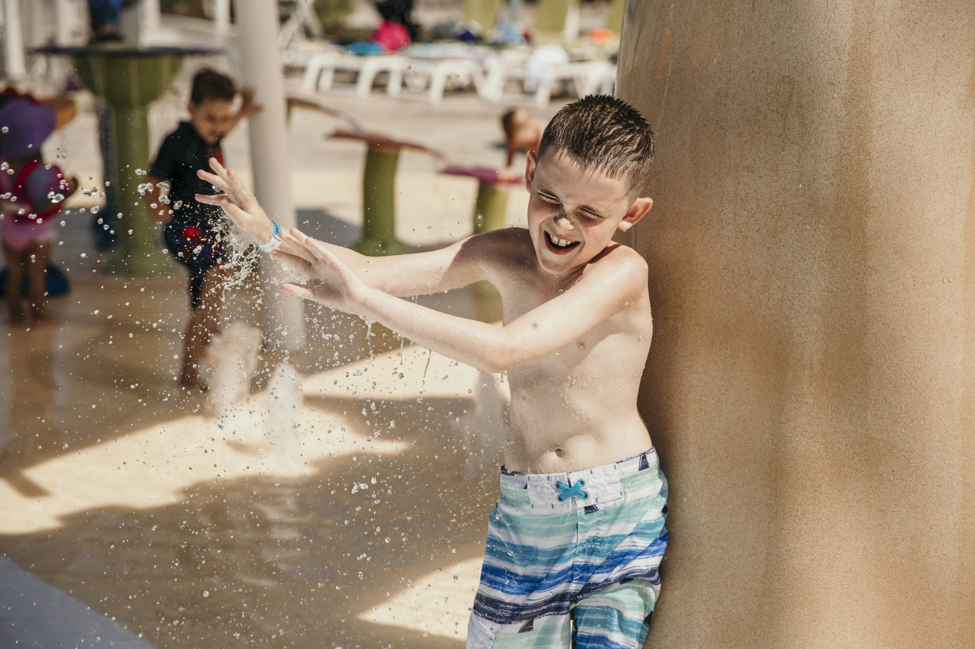 max getting splashed with water in cedar point shores