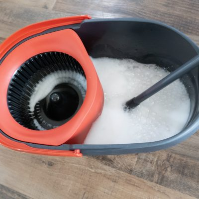 Homemade Floor Cleaner (Great For Tile, Wood, Or Laminate!)