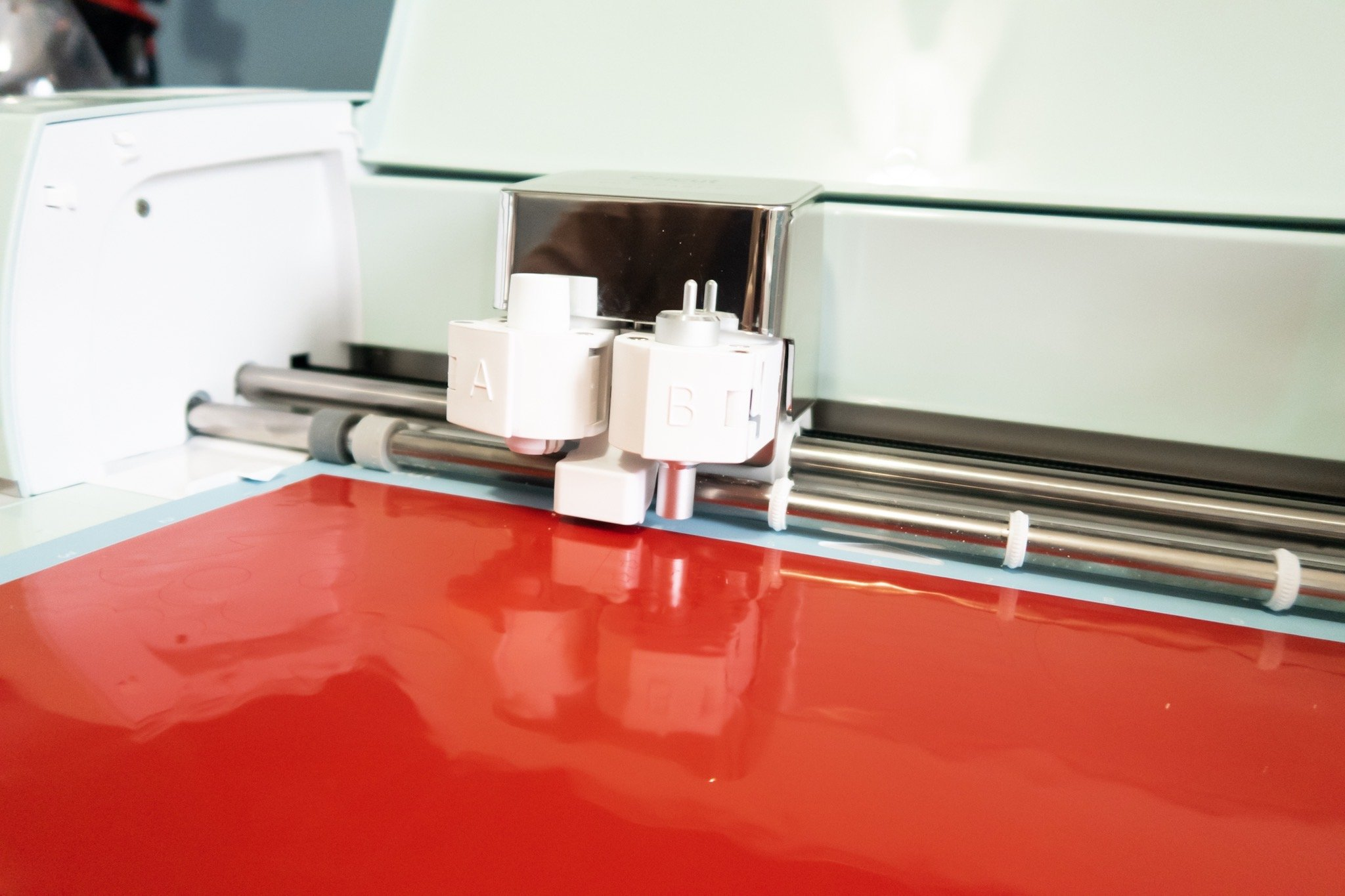 cutting vinyl with fine point blade on cricut explore air 2