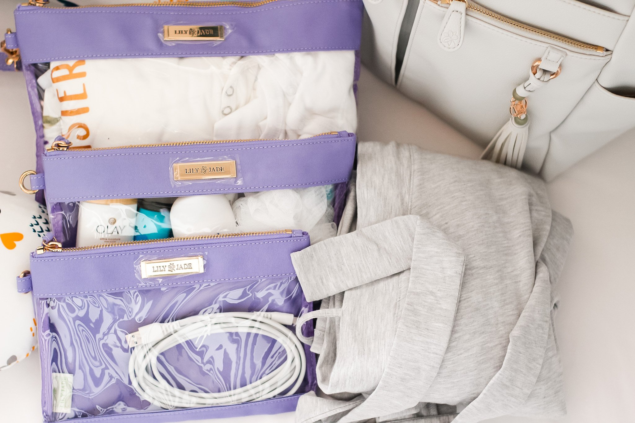 hopsital bag items to pack for mom
