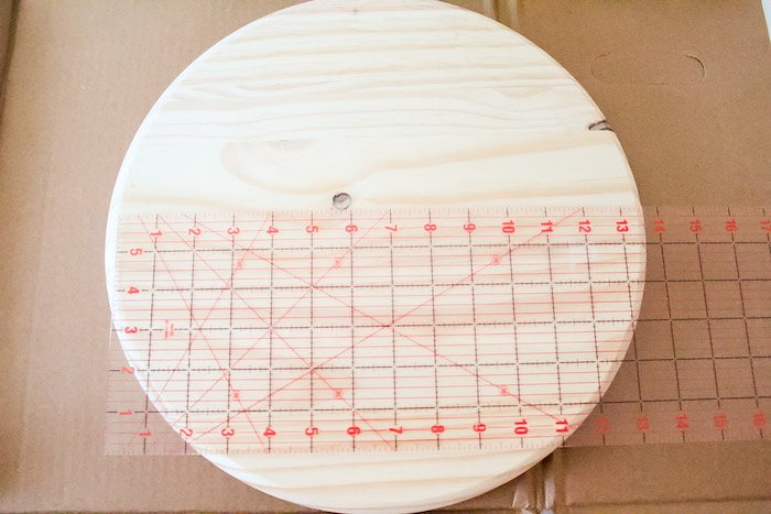 measuring round wood sign