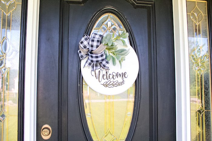 round sign front door finished